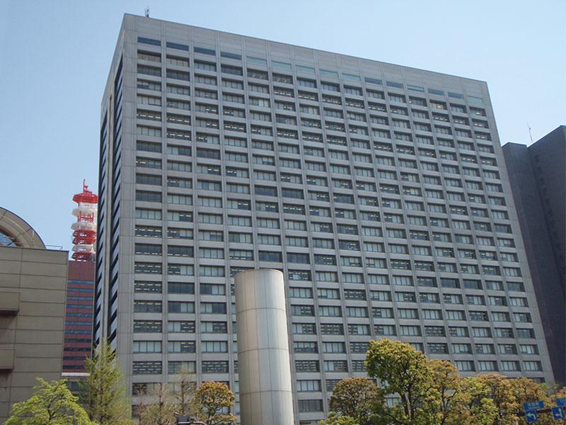 日本を代表する商社三井物産 本店ビル